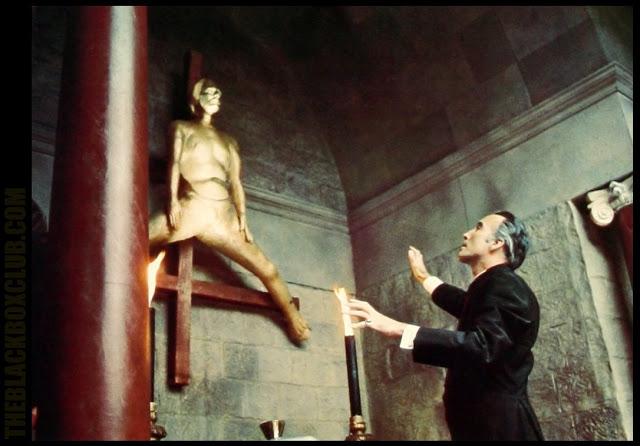 To the Devil a Daughter / Une fille pour le diable (1976)